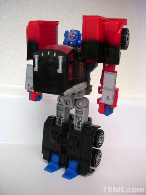 0219-g2-transformers-laser-optimus-prime6.jpg
