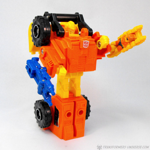 124002_Scoop_Robot_Armed_zps34b9b0e4.jpg