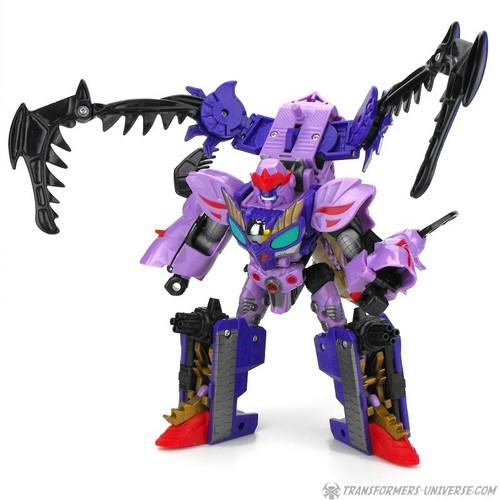 186804_Galvatron_Robot_ClawAttack.JPG
