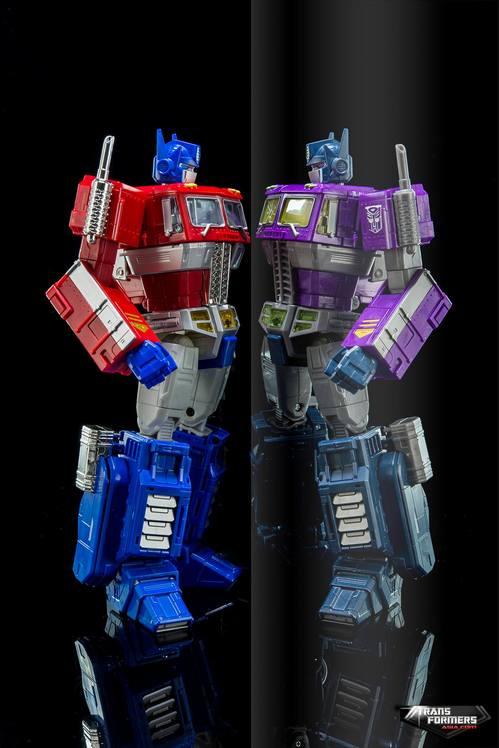 Masterpiece-Shattered-Glass-Optimus-Prime-4.jpg