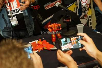 NYCC2015-Hasbro-Sentinel-Prime-004.jpg