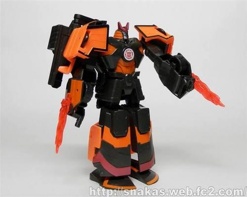 Robots-in-Disguise-Deployer-Drift-01_1434408670.jpg
