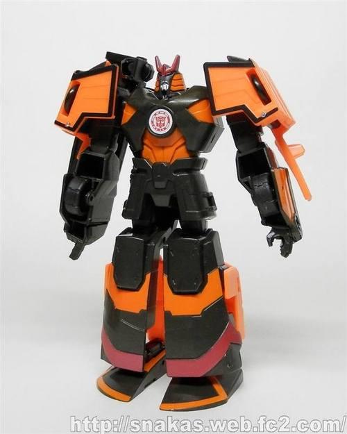 Robots-in-Disguise-Deployer-Drift-13_1434408670.jpg