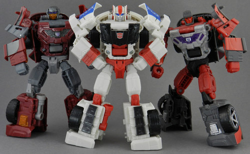 Streetwise-with-Combiner-Wars-Dead-End-and-Brake-Neck-Robot_1431283605.jpg