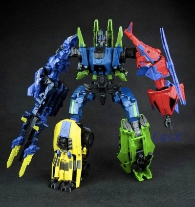 Transformers Generations Fall of Cybertron Bruticus Out of the Package Combined Images (01b)__scaled_600.jpg