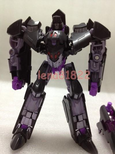 Transformers-Generations-Deluxe-Megatron-01_1373180284.jpg