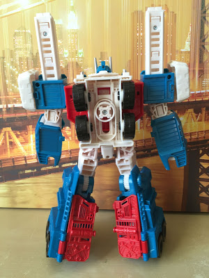 combiner wars ultra magnus back.JPG