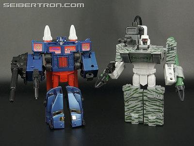 r_combat-hero-optimus-202.jpg