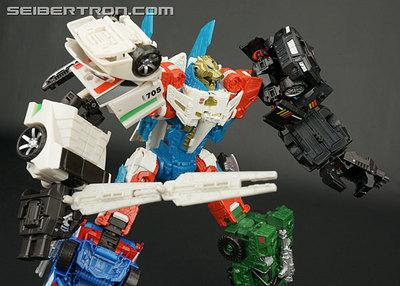 r_combiner-war-sky-reign-038.jpg