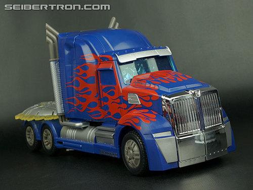 r_fe-optimus-prime-047.jpg