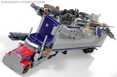 r_optimus-prime-mechtech-trailer-106.jpg